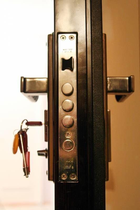 дверь в кассу нестандартная металлическая дверь производители